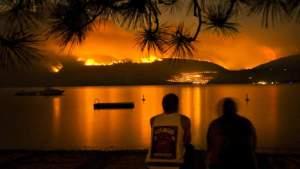 vlammen over zee