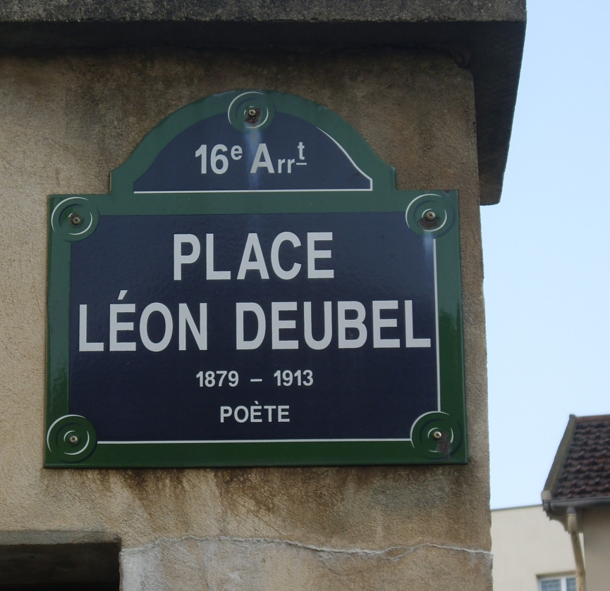 Place_Léon-Deubel,_Paris_16